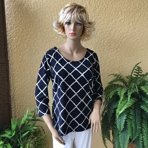 Roz & Ali navy blue and cream top